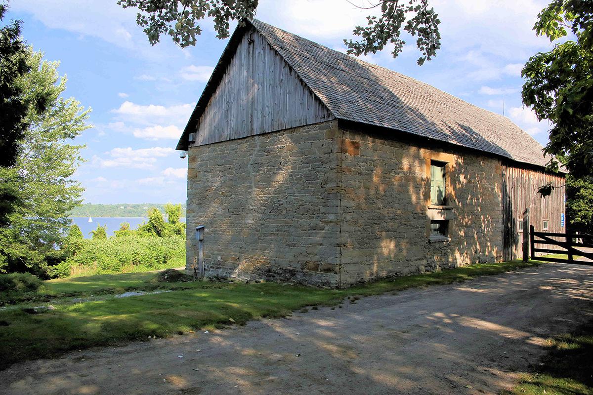 Rural-Kanata-Pinheys-Point-IMG_1136