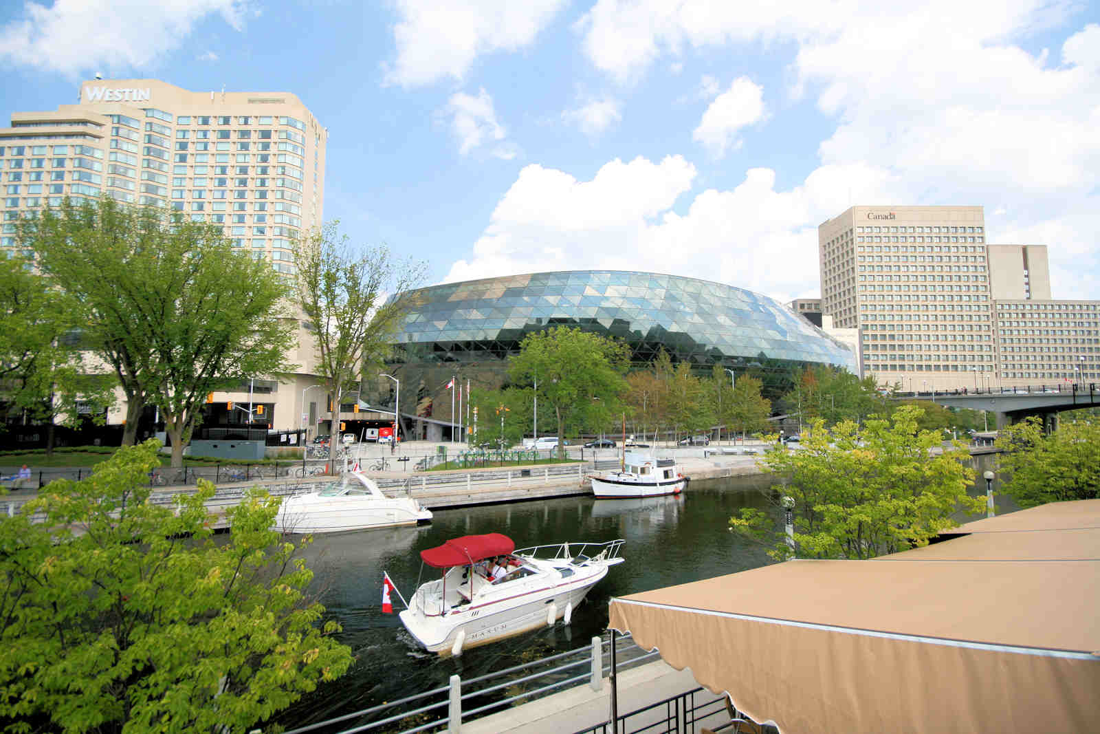 IMG_4036-Shaw Center & Canal